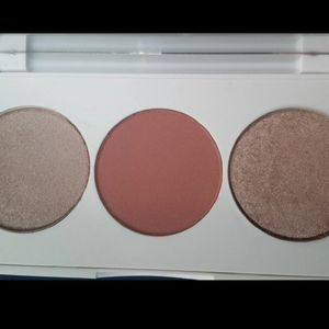 Highlighter blush palette